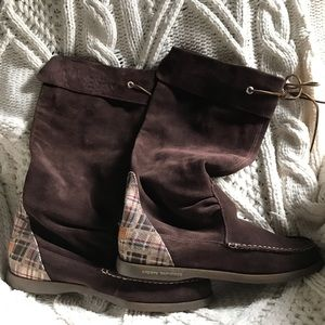 Sperry Topsider Suede Boots